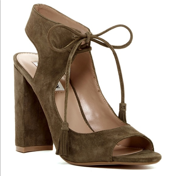 a69a4a4c45d Steve Madden Charlea block heel sandals. M 5af912afa825a6a84bd9dc1a